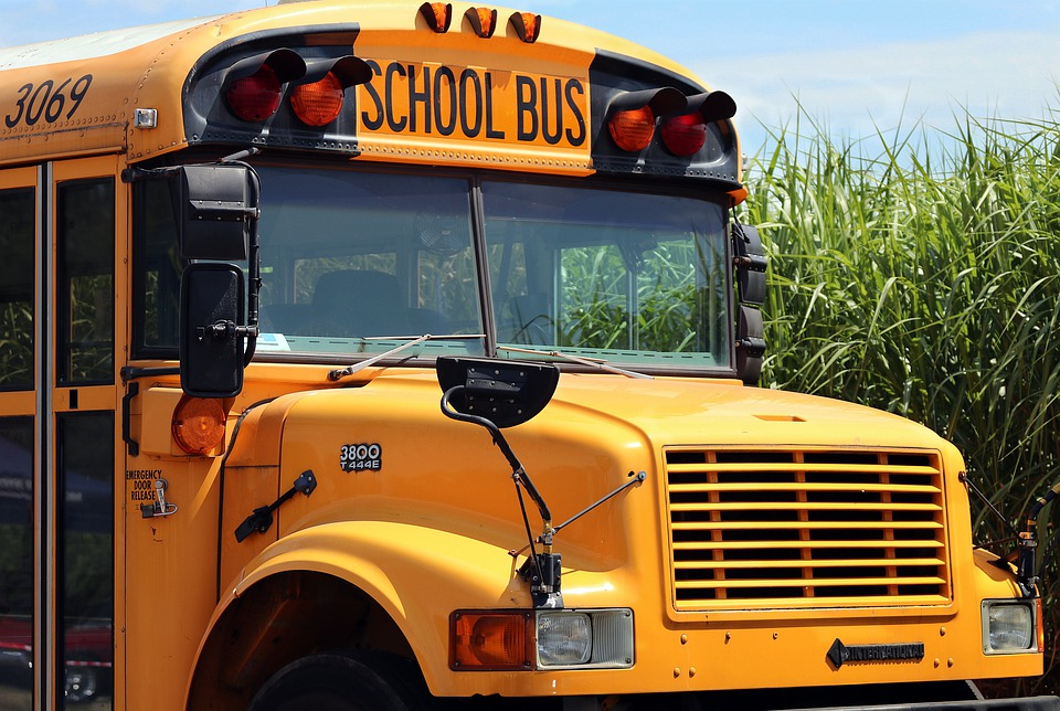 school-bus-4406479_960_720